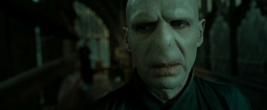 HP-DH-part-2-lord-voldemort-26624813-1920-800