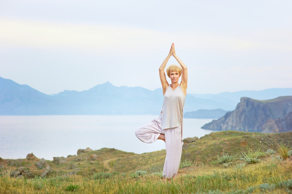 4-Anti-Aging-Yoga-Poses-1024x681